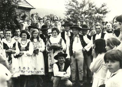 Byrtkowie jadą doAmeryki, czyli jak zespoły pieśni itańca niezabiły tradycji muzycznych naŻywiecczyźnie.